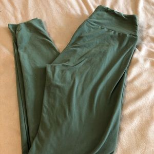 Lularoe leggings. One size. Green